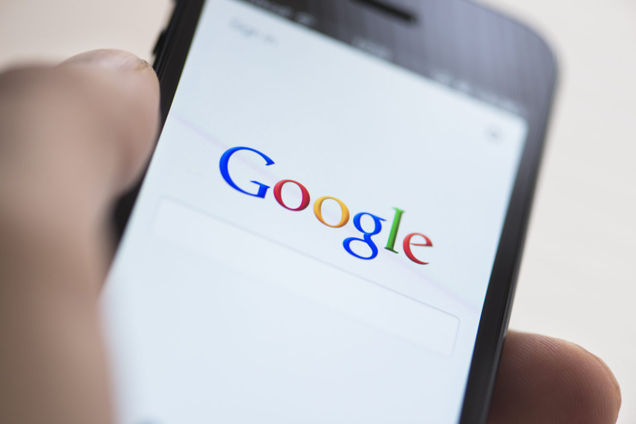 smartphone with google search sceeen
